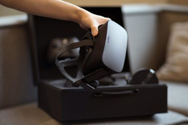 Oculus-Rift-package-image-001