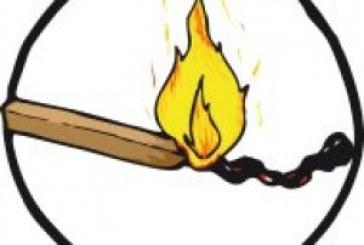 Incendio nel box di un cantiere edile