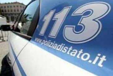Incidente in via del Porto, coinvolte due auto e un autobus