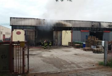 """Incendio alla zona industriale, """"Siamo vicini alle aziende colpite"""""""