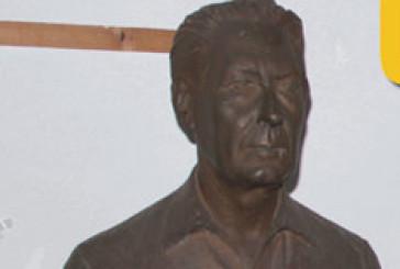 """Sparito il busto del mecenate, """"Vasto Libera"""": diteci dov'è"""