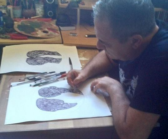 Accursio Truncali nel suo studio