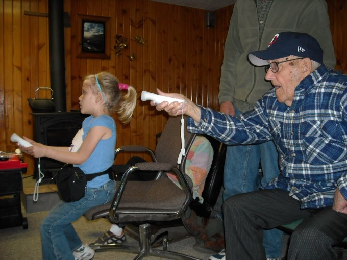Grandpa-playing-the-Wii