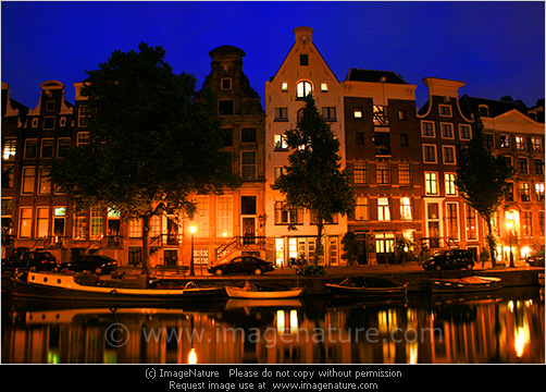 Cute Wallpapers For Summer Typical Amsterdam Houses At Night With Reflection In Canal