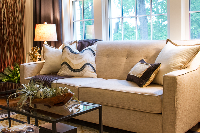 Budget Decorating: Apartment Living Room - Sofa