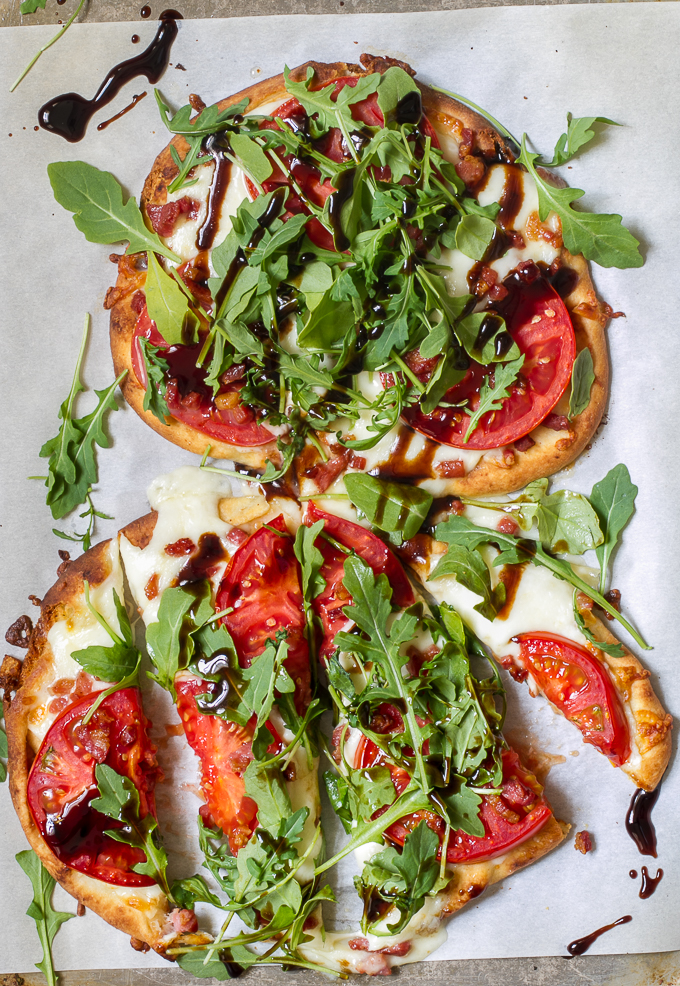 Tomato, Mozzarella & Arugula Naan Pizza with Pancetta and a delicious ...