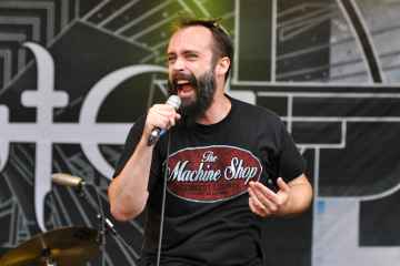 13-06-09_RaR_Clutch_Neil_Fallon_06
