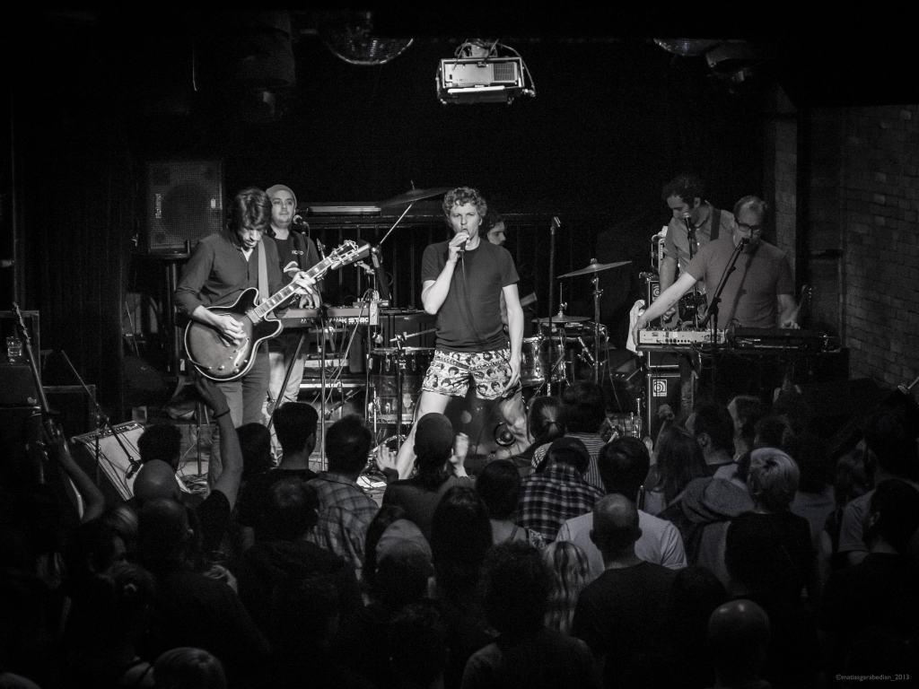 !!!_(Punk_band)_in_Montreal_November_06,_2013