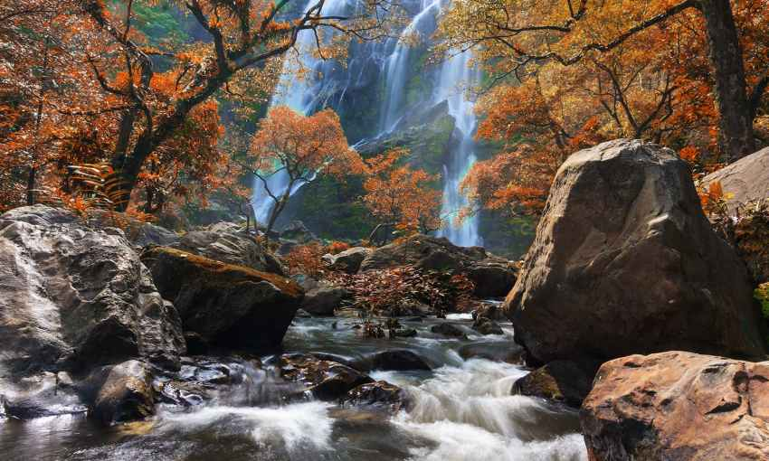 Khlong Lan Waterfall, Khlong Lan National Park, Kamphaeng Phet Province, Thailand. — Photo by Khunkay