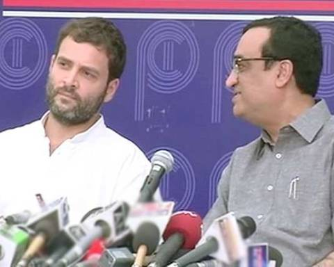 rahul-gandhi-ordinance-barge-press-room