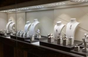 Jewellers begin caving in, registration starts