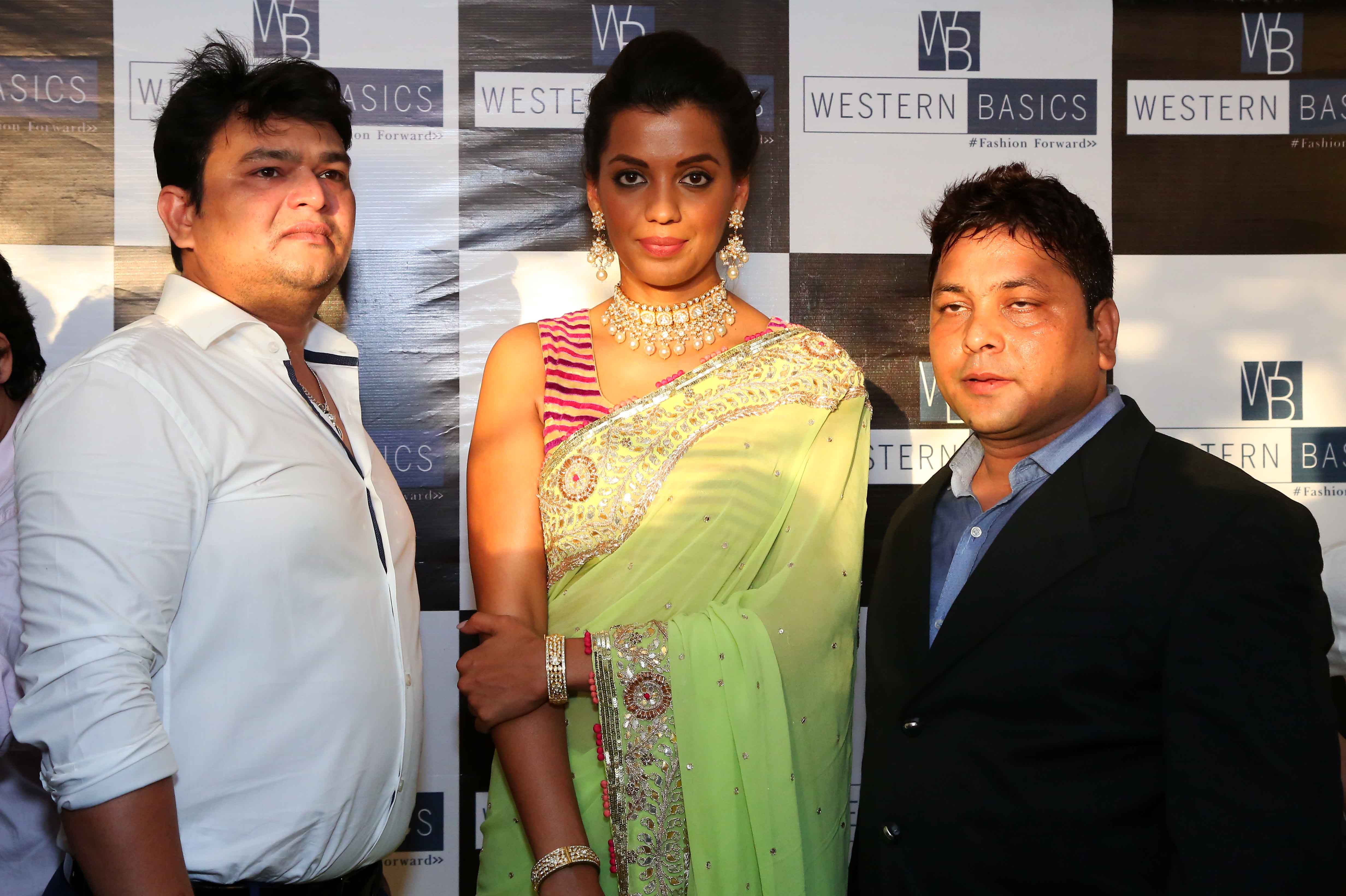 Mr.-Sudhir-Kumar-Gupta-Mugdha-Godse-Sunil-Singh-graced-the-inauguration-of-Western-Basics-Kids-Fashion-Wear-Store.-3