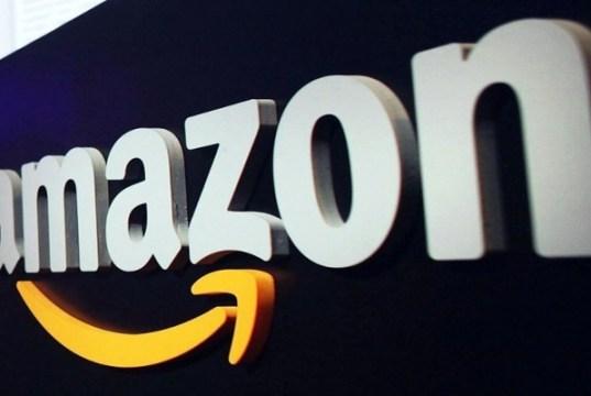 race to top spot continues, Amazon beats Flipkart in app downloads