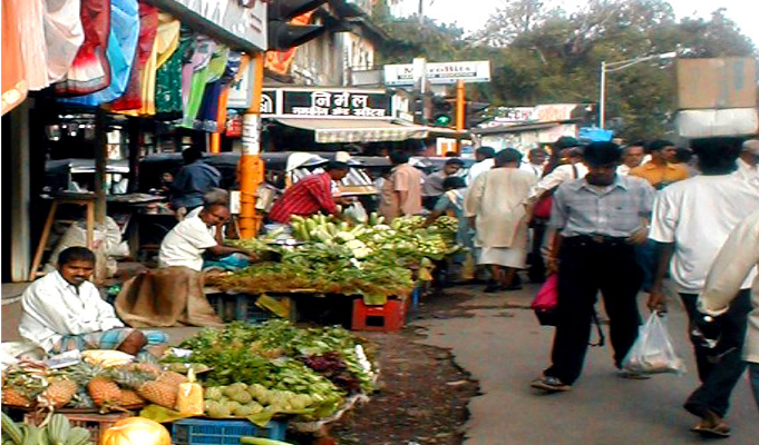 Hawkers' sales down by 70-80 pc due to demonetisation