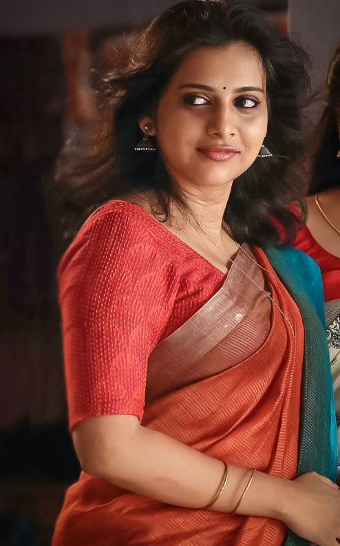 Cute And Stylish Girl Wallpaper Hd Anna Rajan Latest Hd Images And Hot Wallpapers