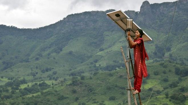 Mehr Investitionen in erneuerbare Energien in Indien
