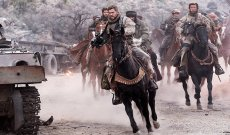 '12 Strong' Review: Chris Hemsworth Trades His Hammer for a Horse in an Uphill Battle That's Still Being Fought