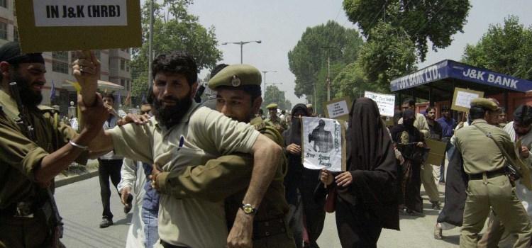 I desaparecidos del Kashmir. Civil Society denuncia la scomparsa di 8000 civili