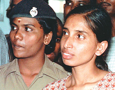 Prese parte all'assassinio di Rajiv Gandhi. Tigre Tamil digiuna per chiedere la scarcerazione