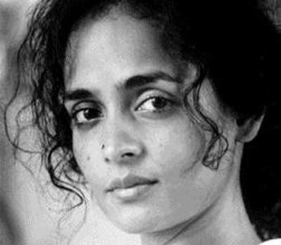 Pesanti critiche ad Arundhati Roy per le sue dichiarazioni sul Kashmir. Ecco la reazione della scrittrice indiana