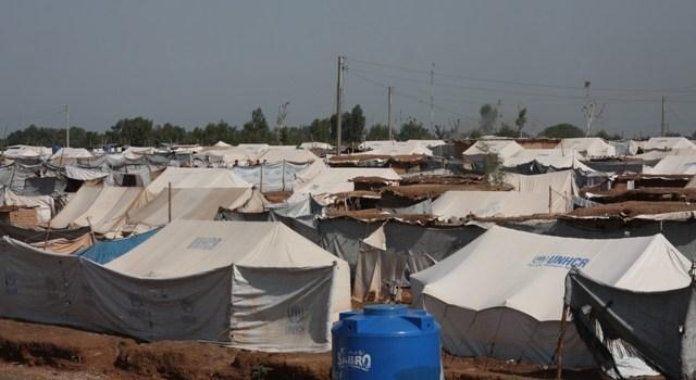 Rifugiati in Pakistan, da Peshawar al campo di Jailuzai