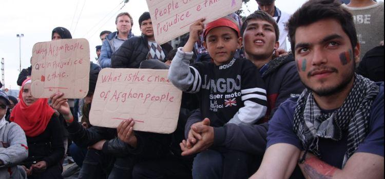 Speciale migranti. Idomeni, i giorni in cui tutto accade, da EAST