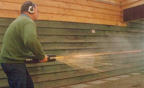 Posisi menembak koper MP5K.