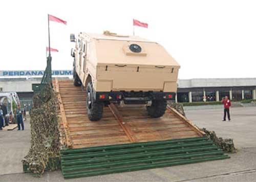 Sherpa pernah ditampilkan dalam ajang Indo Defence 2008