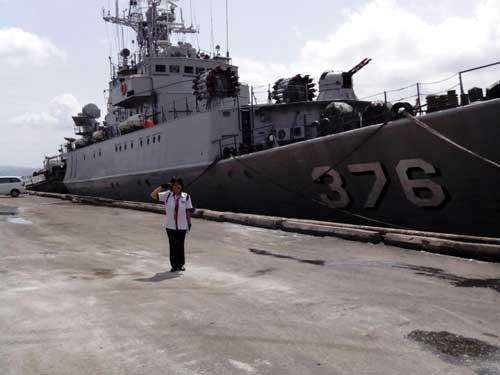 KRI Sultan Thaha Syaifuddin 376 saat masih menggunakan kanon AK-230