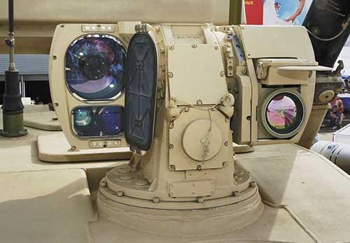 Perangkat sensor kamera dan thermal di Pantsir S-1.
