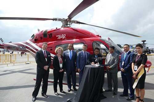 Sebuah seremoni kecil saat penandatanganan kontrak pembelian 2 unit Bell 429 untuk Polri.
