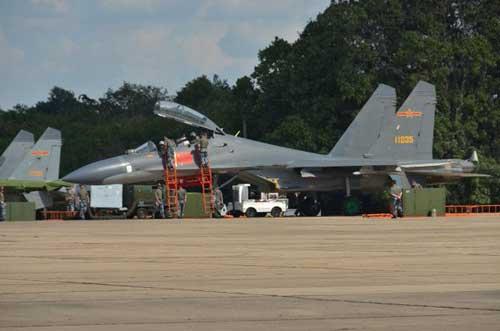 J-11BS AU Cina.