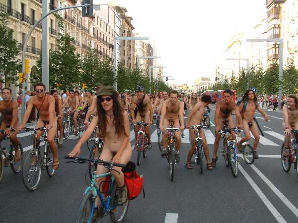 Nude Cyclists