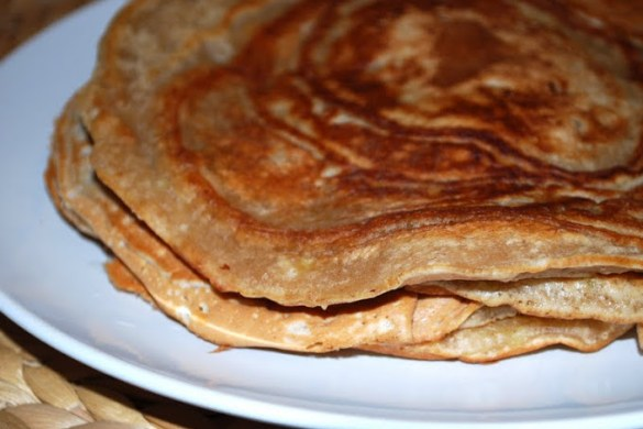 Schnelle-vegane-Bananen-Zimt-Pfannkuchen_1b