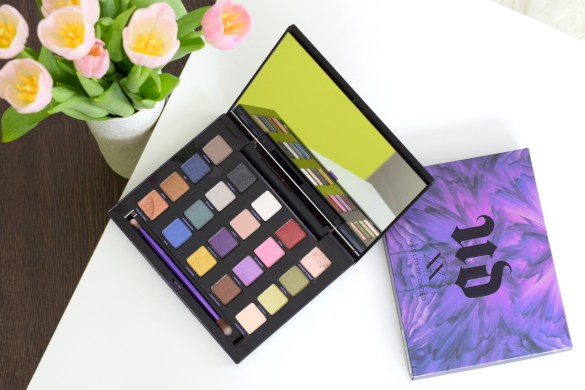 Review und Swatches zur Urban Decay Vice Lidschatten Palette. Die limitierte Urban Decay XX Vice LTD Reloaded enthält 20 Lidschatten.