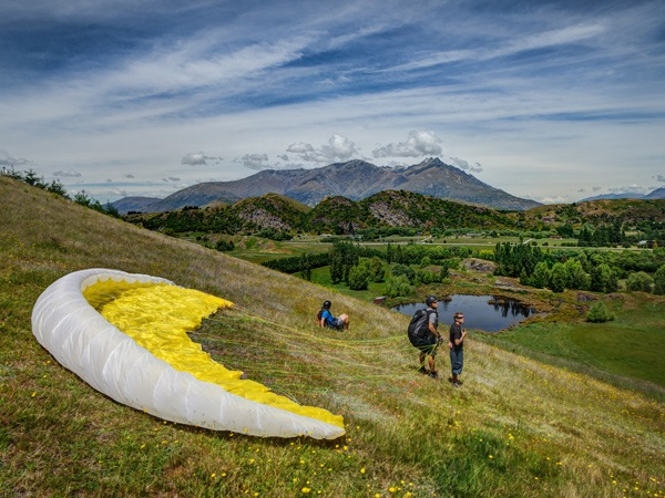 Learn to Paraglide in Queenstown with Infinity 3