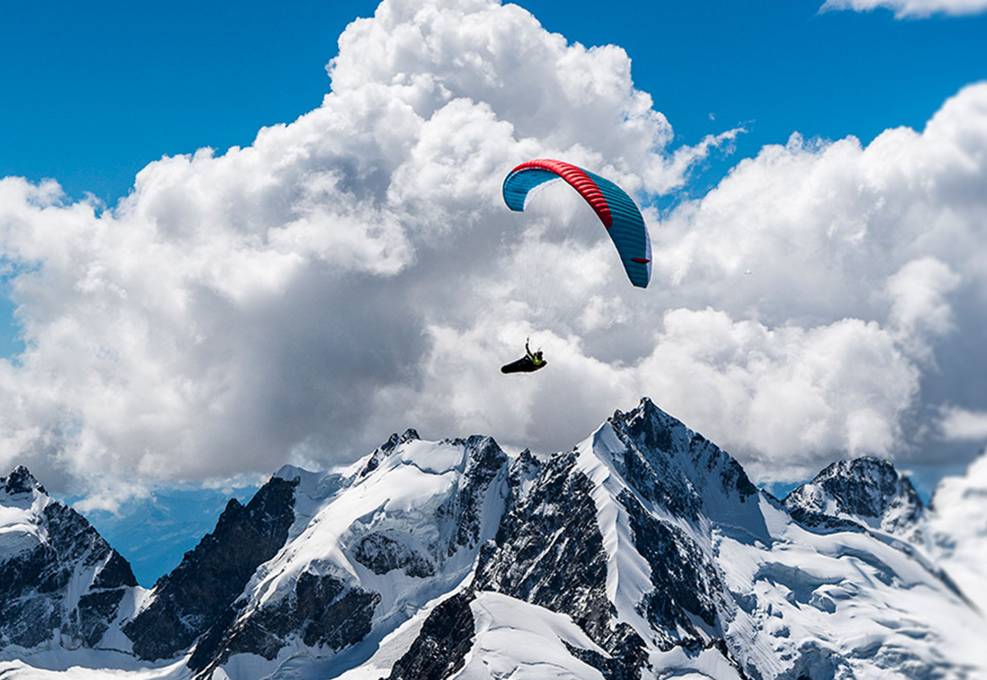 _0011_infinity-paragliding-flying-in-high-mountains
