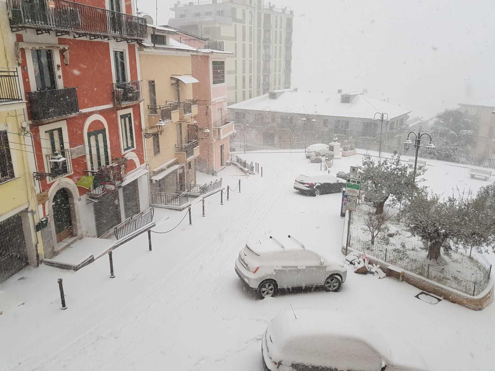Napoli e Provincia nel gelo, scatta l'allerta neve