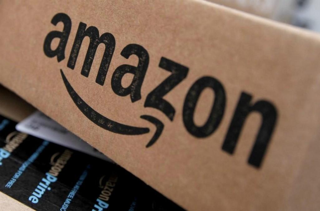 Amazon, si ferma: stop a consegne di prodotti non essenziali