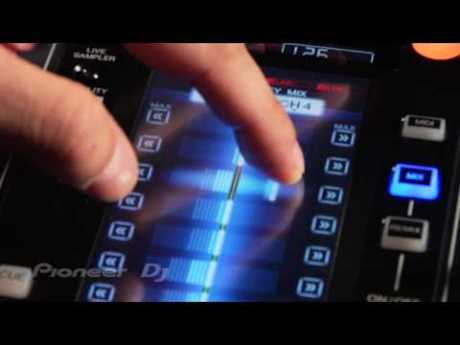 djm2000 zoom2 Zoom: console de mixage tactile et numrique Pioneer DJM 2000