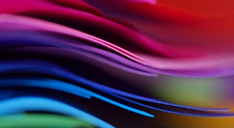 Páginas de diferentes colores