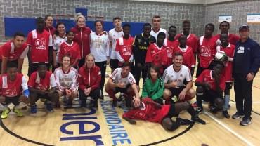 Inauguration d'un nouveau terrain de soccer à Vanier