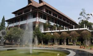 ITB terpilih menjadi kampus terbaik di Indonesia versi Kemenristek Dikti. (foto: itb)