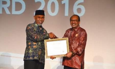 Kota Padang Raih 3 Penghargaan di Indonesia's Attractiveness Award (IAA) 2016