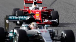 hamilton-vettel-test-f1-barcellona-2016-day-1