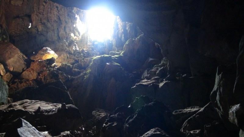 På opdagelse i grotten