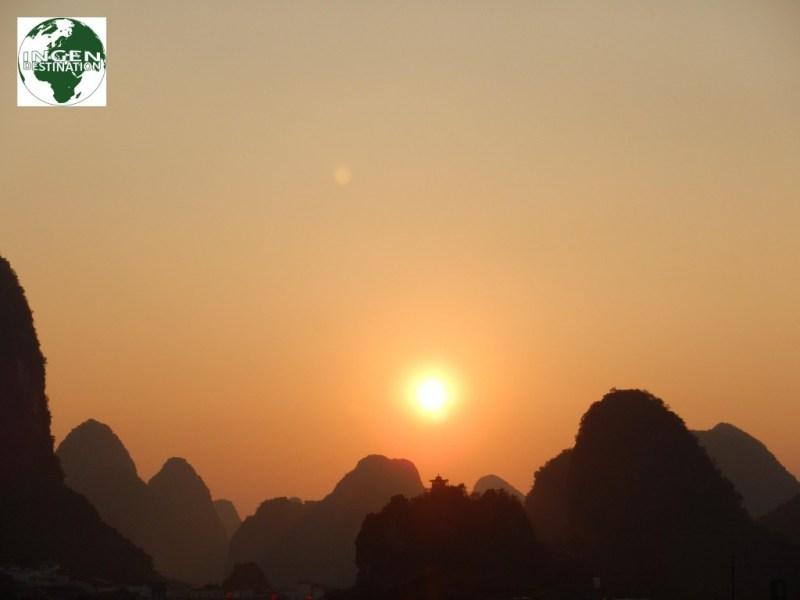 Solnedgang over Yangshuo