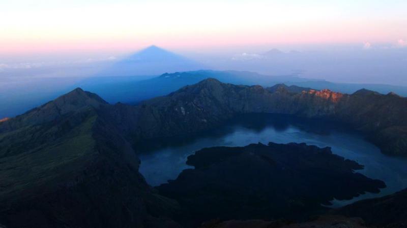 Udsigten fra toppen af Rinjani.