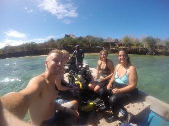 Sammen med 7 andre gav vi Gianni et dyk i fødselsdag gave.