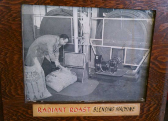 vintage radiant roast coffee blending machine